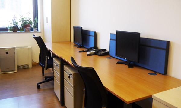 Informative Hot Desks
